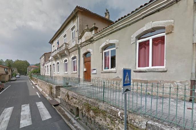 Ceilhes-et-Rocozels (Hérault) La mairie et les écoles