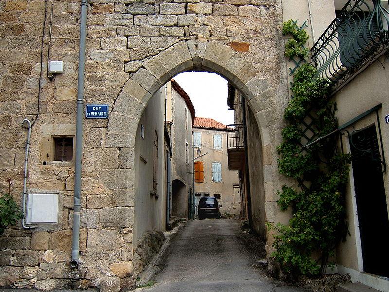 Ceilhes-et-Rocozels (Hérault) La porte de l'enceinte