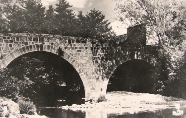 Ceilhes-et-Rocozels (Hérault) Le pont roman CPA