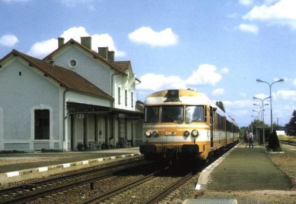 Cercy-la-Tour (Nièvre) La gare vers 1960 CPA