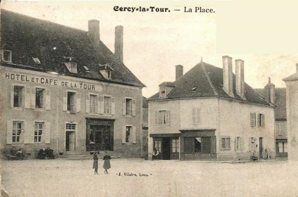 Cercy-la-Tour (Nièvre) Le café-hôtel de la Tour CPA