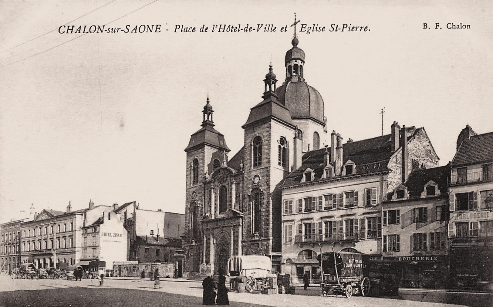 Chalon-sur-Saône (71) Place de l'Hôtel de Ville CPA
