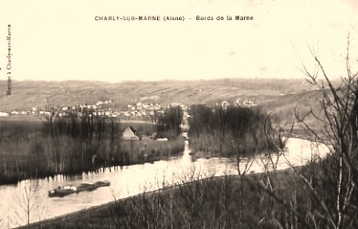 Charly-sur-Marne (Aisne) CPA Bords de la Marne