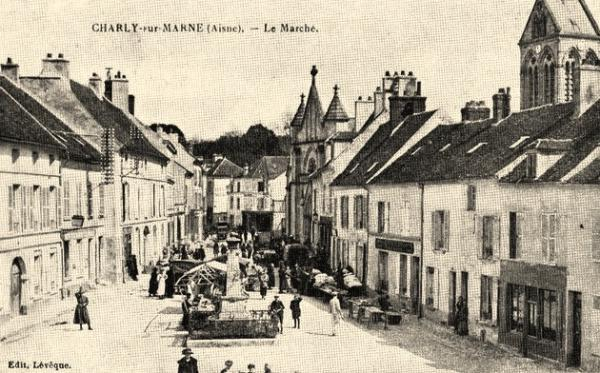 Charly-sur-Marne (Aisne) CPA Marché
