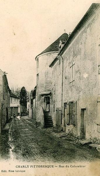 Charly-sur-Marne (Aisne) CPA Rue de la tour