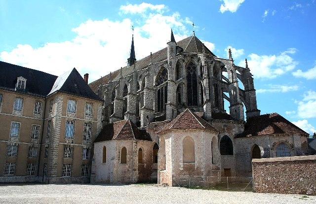Chartres (28) L'église Saint-Pierre