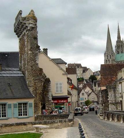 Chartres (28) La porte Guillaume