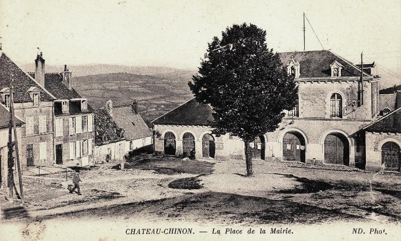 Château-Chinon (Nièvre) L'ancien Hôtel de Ville CPA