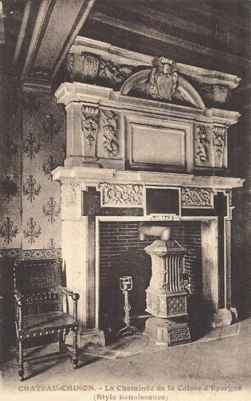 Château-Chinon (Nièvre) La Caisse d'Epargne, cheminée CPA