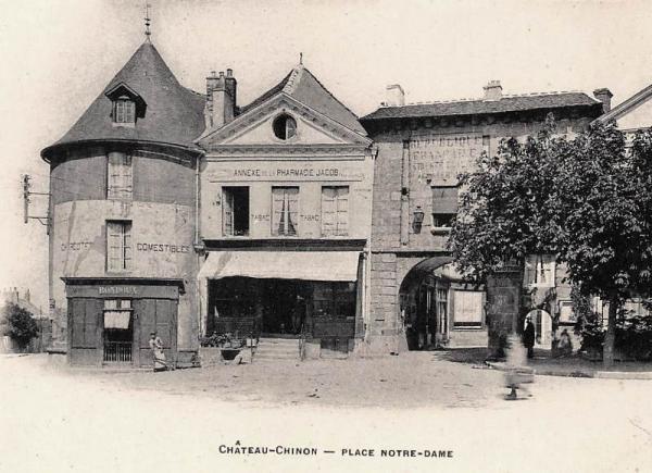 Château-Chinon (Nièvre) La porte Notre-Dame CPA