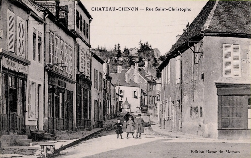 Château-Chinon (Nièvre) La rue Saint Christophe CPA