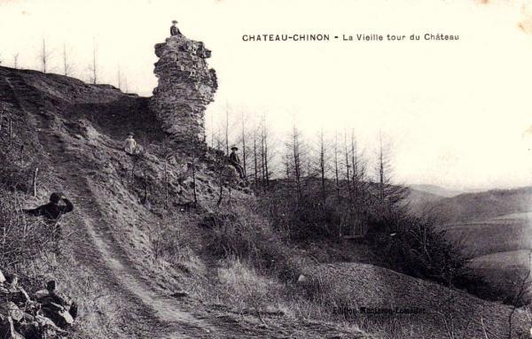 Château-Chinon (Nièvre) La vieille tour du château CPA