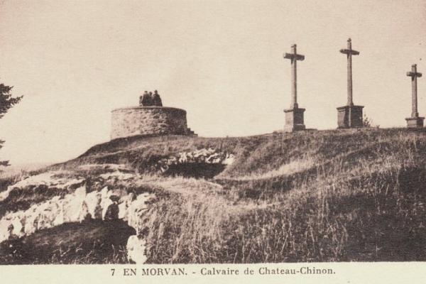 Château-Chinon (Nièvre) Le calvaire, les trois croix CPA