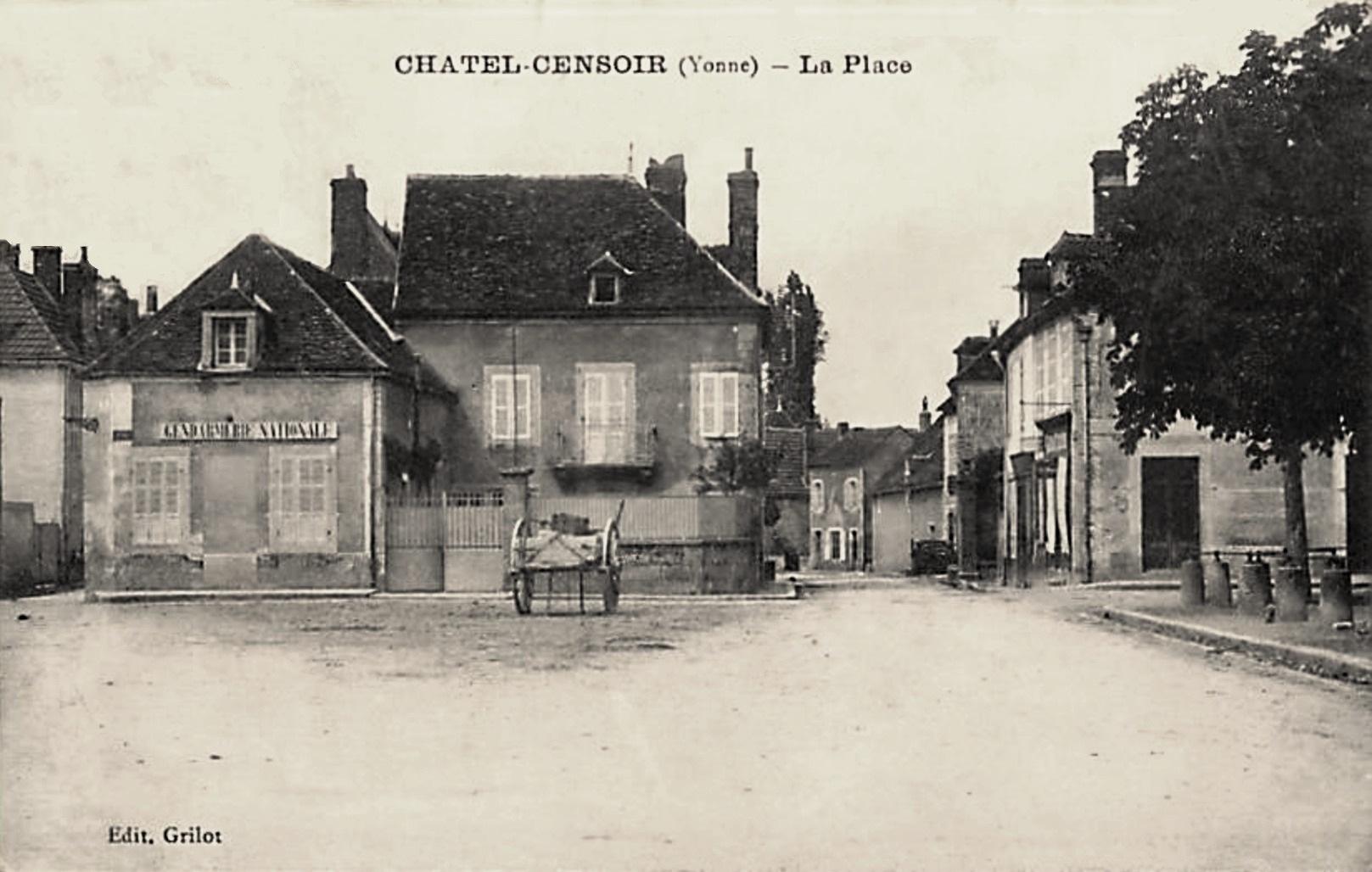 Châtel-Censoir (89) La Place CPA