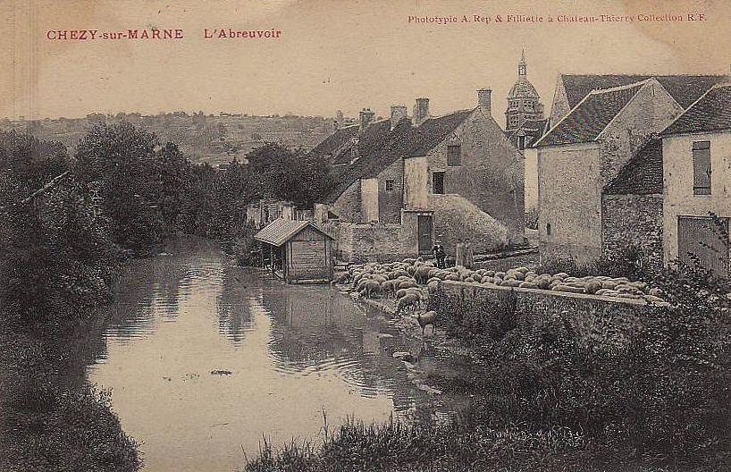 Chézy-sur-Marne (Aisne) CPA Abreuvoir