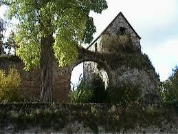 Chézy-sur-Marne (Aisne) Ruines ancienne abbaye