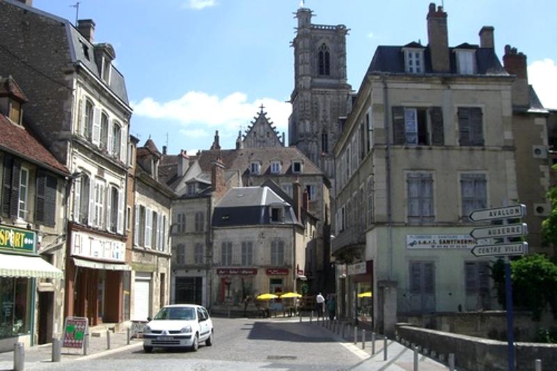 Clamecy (Nièvre) Le centre-ville