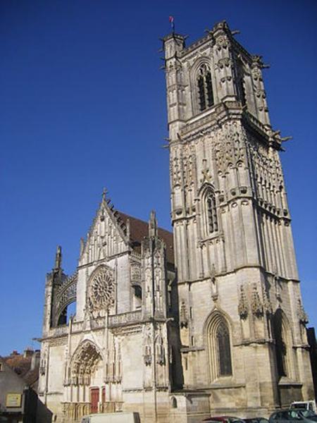 Clamecy (Nièvre) L'église Saint Martin