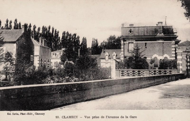 Clamecy (Nièvre) L'avenue de la Gare CPA