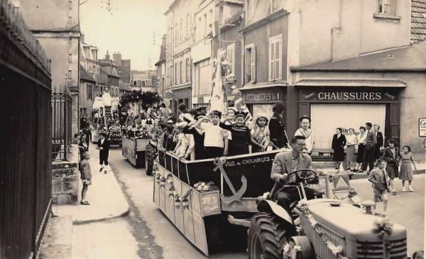 Clamecy (Nièvre) La fête CPA