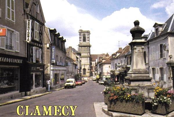 Clamecy (Nièvre) La rue du marché CP