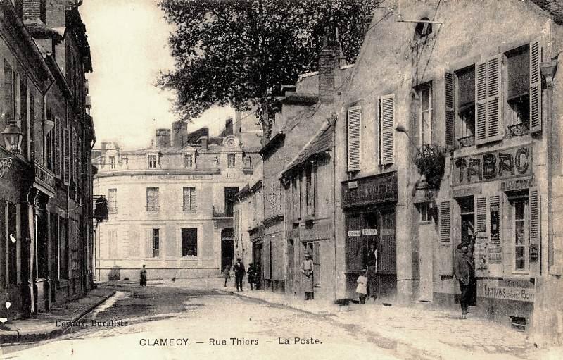 Clamecy (Nièvre) La rue Thiers CPA