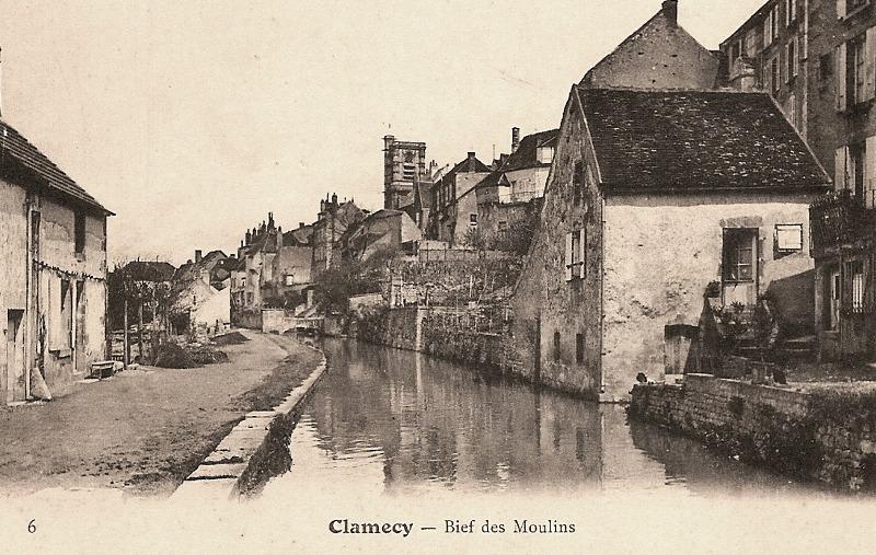 Clamecy (Nièvre) Le bief des moulins CPA