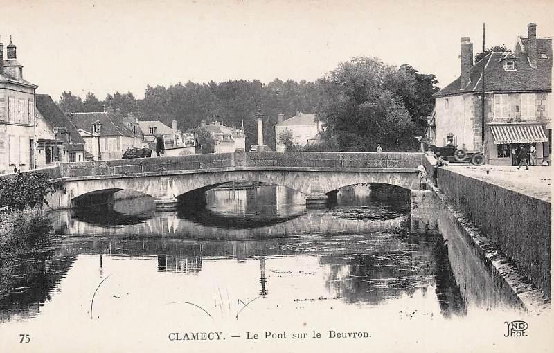 Clamecy (Nièvre) Le pont sur le Beuvron CPA