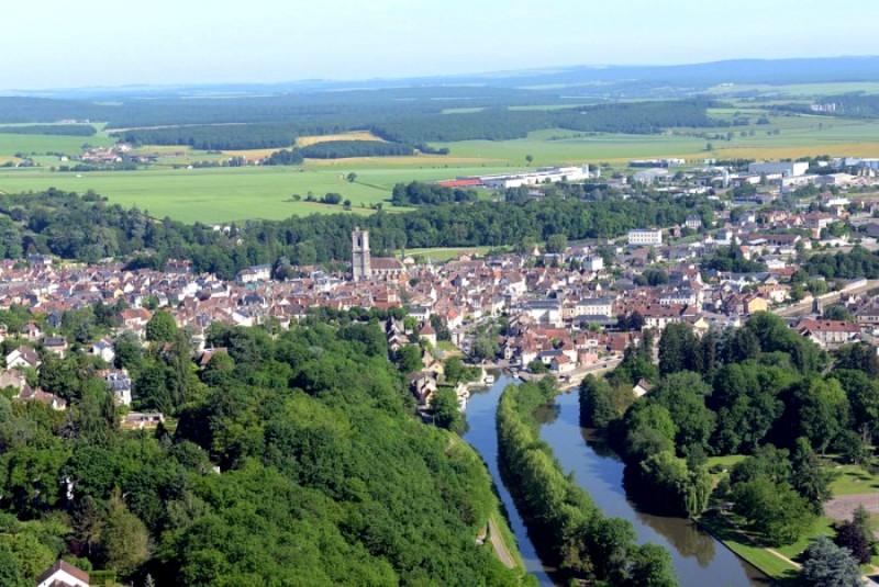 Clamecy (Nièvre) Vue aérienne