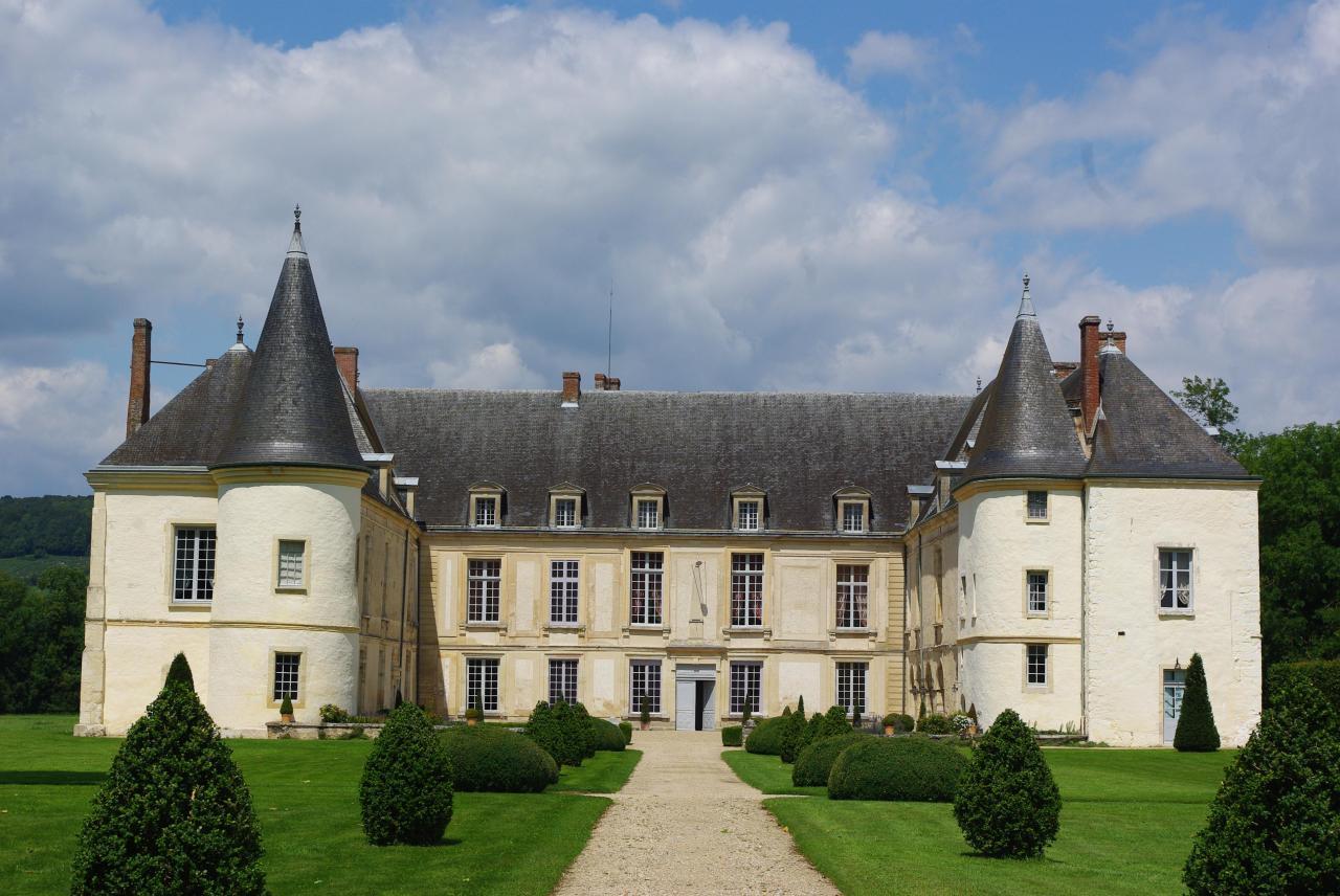 Condé-en-Brie (Aisne) le Château des princes de Condé