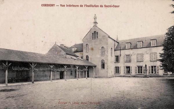Corbigny (Nièvre) L'institution du Sacré Coeur CPA