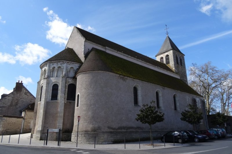 Cosne-Cours-sur-Loire (Nièvre) L'église Saint-Aignan