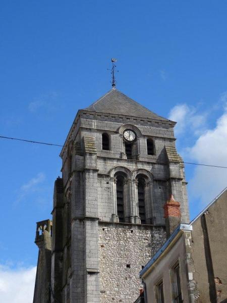 Cosne-Cours-sur-Loire (Nièvre) L'église Saint-Jacques, le clocher