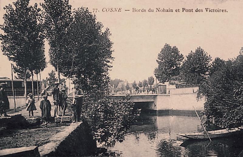 Cosne-Cours-sur-Loire (Nièvre) Le pont des victoires CPA