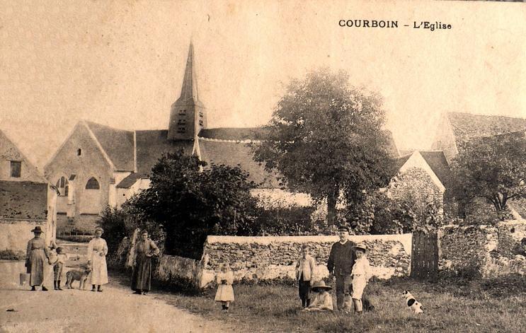 Courboin (Aisne) CPA L'église Saint Jean-Baptiste