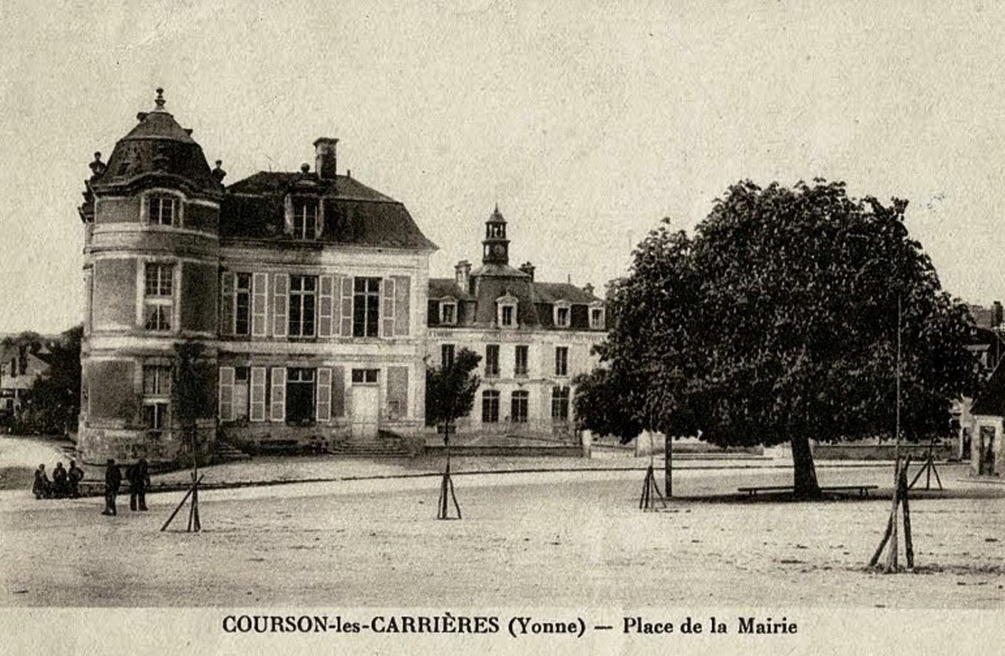 Courson-les-Carrières (89) Le château, mairie et l'école CPA