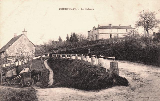 Courtenay (45) Château CPA