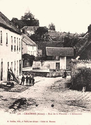 Craonne (Aisne) CPA rue de la Pissotte l'abreuvoir