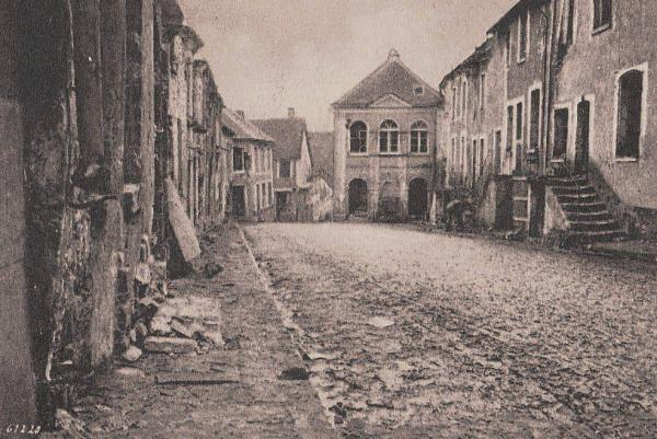 Craonne (Aisne) CPA ruines de l'hôtel de ville