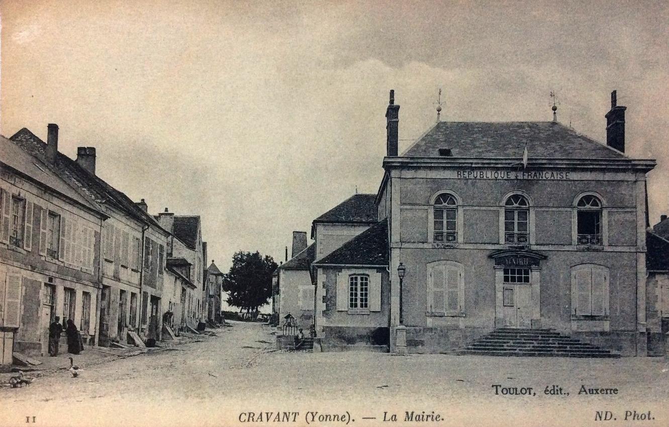 Cravant (89) La Mairie CPA