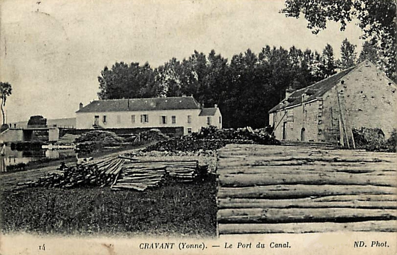 Cravant (89) Le port du canal CPA