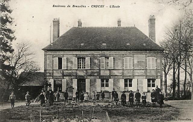 Crucey-Villages (28) L'école CPA