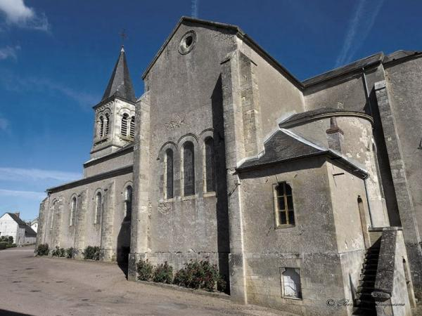 Crux-la-Ville (Nièvre) L'église Saint-Nazaire