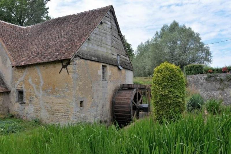 Crux-la-Ville (Nièvre) Le moulin de Landas
