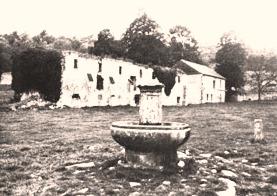 Cuissy-et-Gény (Aisne) CPA Abbaye des Prémontrés Fontaine en marbre