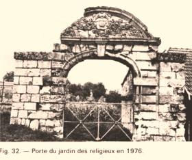 Cuissy-et-Gény (Aisne) CPA Porte jardin des religieux 1976