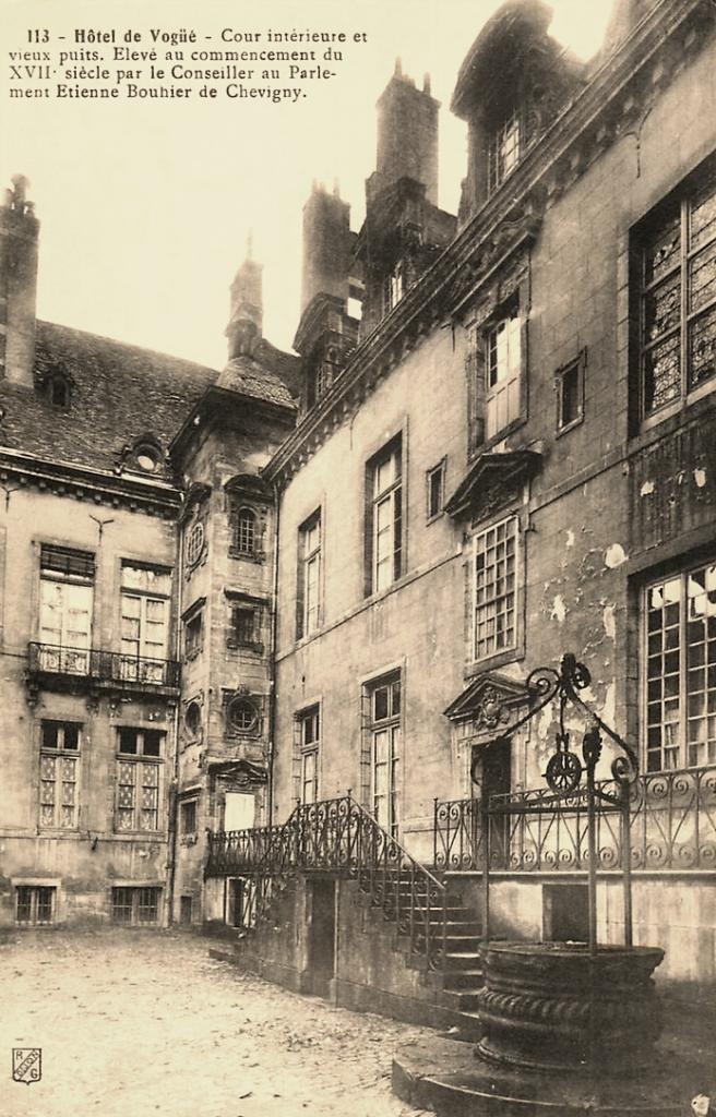 Dijon (Côte d'Or) L'Hôtel de Vogüe CPA