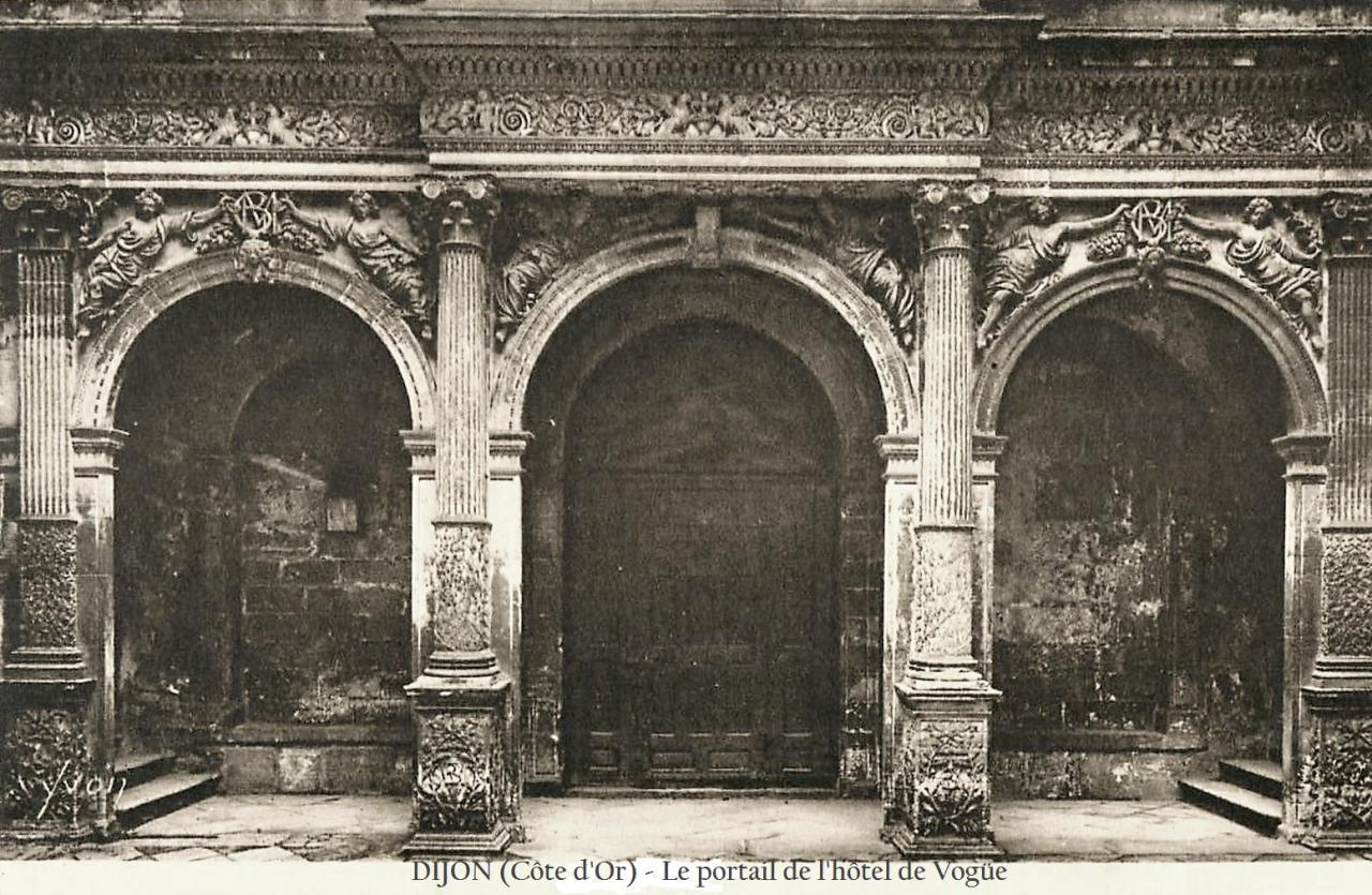 Dijon (Côte d'Or) L'Hôtel de Vogüe, portail CPA
