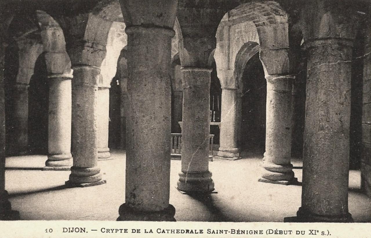 Dijon (Côte d'Or) La Cathédrale Saint-Bénigne, crypte CPA