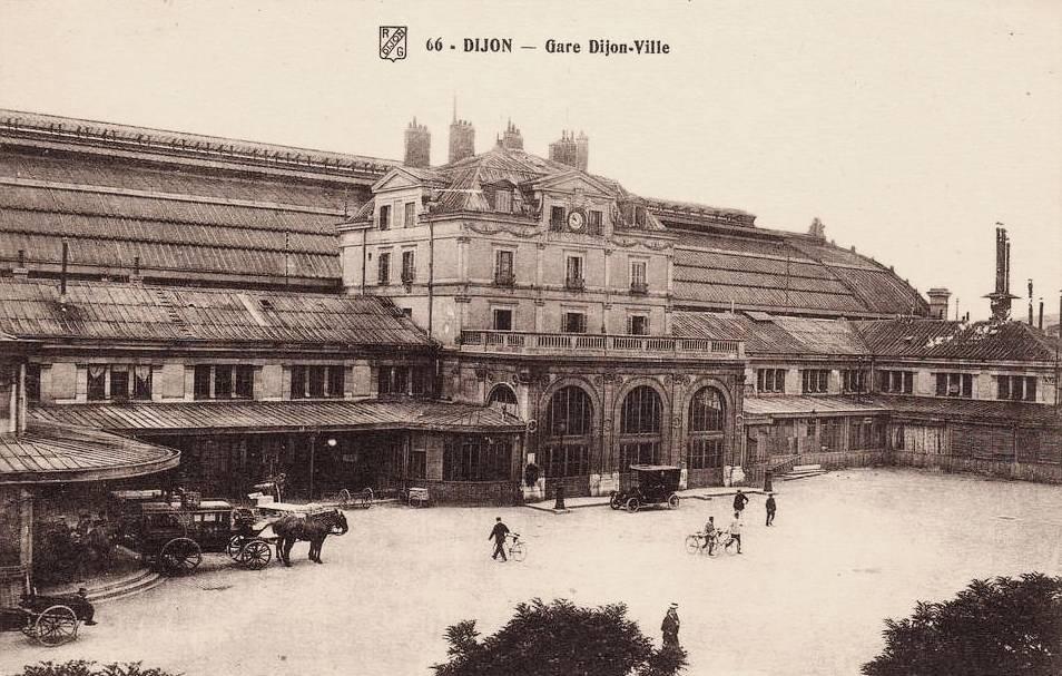 Dijon (Côte d'Or) La Gare Dijon-ville CPA